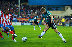 MADRID, SPAIN - Wednesday, October 22, 2008: Liverpool's captain Steven Gerrard MBE in action against Club Atletico de Madrid during the UEFA Champions League Group D match at the Vicente Calderon. (Photo by David Rawcliffe/Propaganda)
