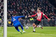 EINDHOVEN, PSV - ADO Den Haag, voetbal, Eredivisie, seizoen 2016-2017, 26-11--2016, Philips Stadion, PSV speler Luuk de Jong (R) scoort de 3-0, ADO Den Haag keeper Ernestas Setkus (L).