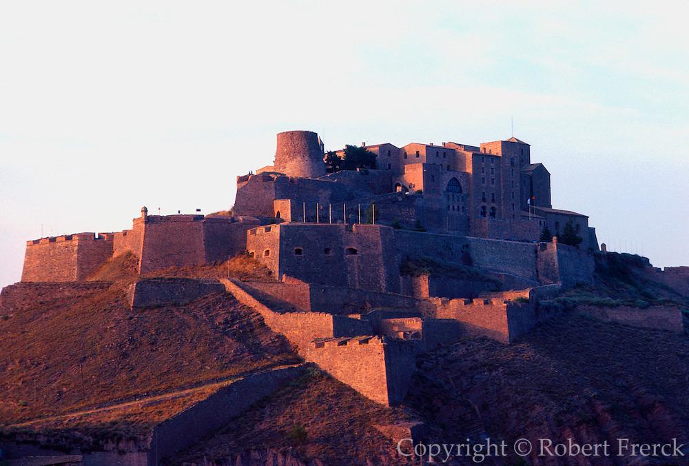 SPAIN, NORTH, CATALUNYA Castle of the Dukes of Cardona