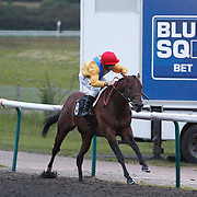 Don Libre and Neil Callan winning the 9.05 race