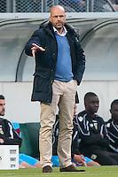 DEN HAAG - ADO Den Haag - Vitesse , Eredivisie , voetbal , Kyocera stadion , seizoen 2014/2015 , 24-04-2015 , Vitesse trainer Peter Bosz