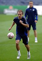 Photo: Richard Lane.<br />Chelsea training session. UEFA Champions League. 30/10/2006. <br />Chelsea's Arjen Robben.