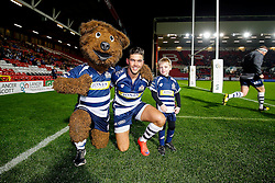Brizzley and the match mascot pose with Bristol Rugby captain Ben Mosses - Mandatory byline: Rogan Thomson/JMP - 06/11/2015 - RUGBY UNION - Ashton Gate Stadium - Bristol, England - Bristol Rugby v Doncaster Knights - Greene King IPA Championship.