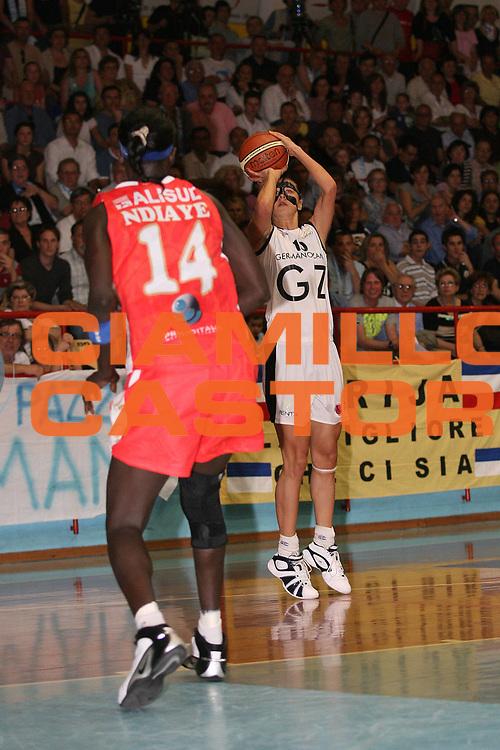 DESCRIZIONE : Faenza Lega A1 Femminile 2006-07 Finale Scudetto Gara 2 Germano Zama Faenza Phard Napoli<br /> GIOCATORE : Jokic <br /> SQUADRA : Germano Zama Faenza<br /> EVENTO : Campionato Lega A1 Femminile Finale Scudetto Gara 2 2006-2007 <br /> GARA : Germano Zama Faenza Phard Napoli<br /> DATA : 12/05/2007 <br /> CATEGORIA : Tiro <br /> SPORT : Pallacanestro <br /> AUTORE : Agenzia Ciamillo-Castoria/M.Marchi <br /> Galleria : Lega Basket Femminile 2006-2007<br /> Fotonotizia : Faenza Campionato Italiano Femminile Lega A1 2006-2007 Finale Scudetto Gara 2 Germano Zama Faenza Phard Napoli<br /> Predefinita :