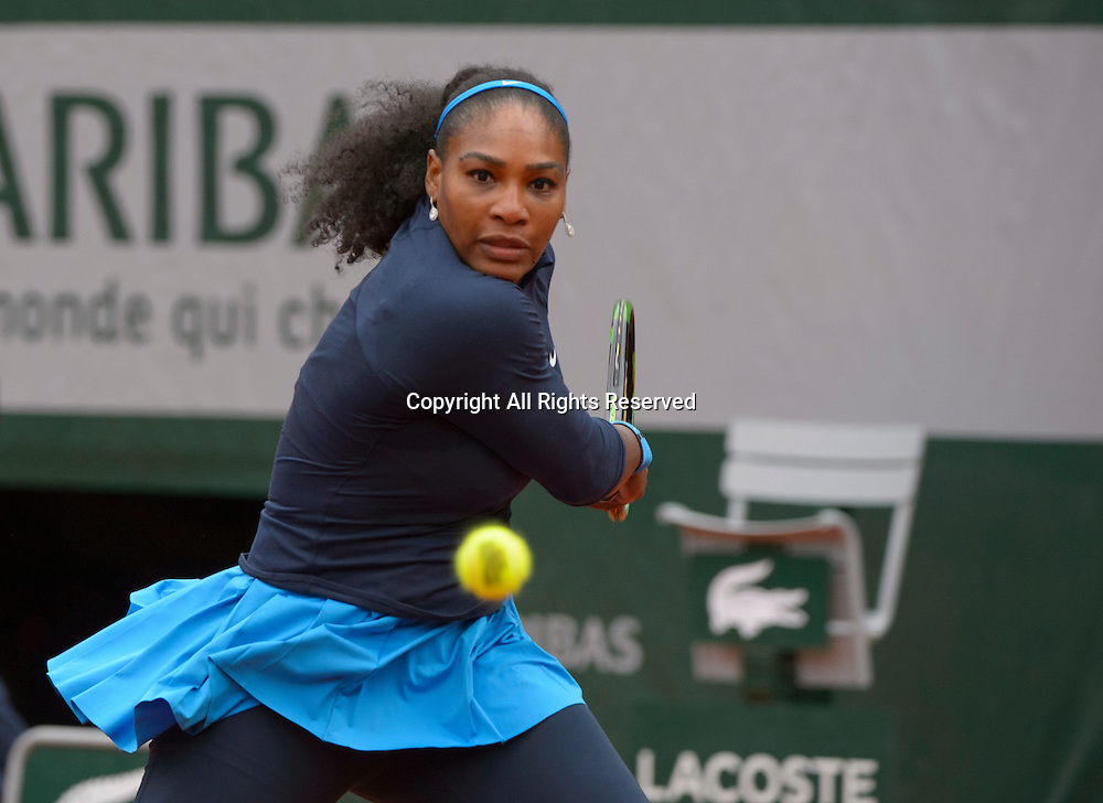 24.05.2016. Stade Roland Garros, Paris, France. Roland Garros French Open Tennis Day Three.  Serena Williams (1) (USA) in action in her match against Magdalena Rybarikova (SVK). Williams won the match in straight sets.