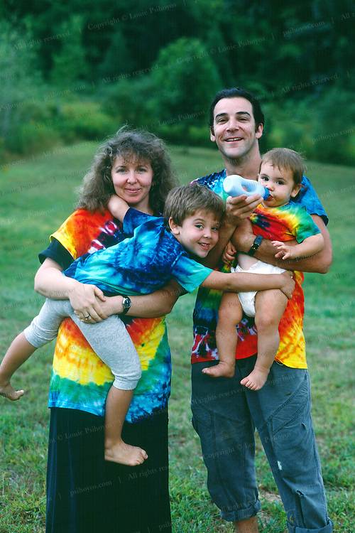 mandy patinkin 0001 actor with family in upstate new