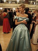 Marianne Swannell. the Royal Caledonian Ball. 2001. Grosvenor house. London. 3 May 2001. © Copyright Photograph by Dafydd Jones 66 Stockwell Park Rd. London SW9 0DA Tel 020 7733 0108 www.dafjones.com