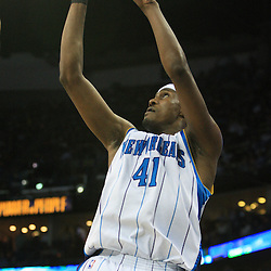 06 February 2009: New Orleans Hornets forward James Posey (41) shoots during a 101-92 win by the New Orleans Hornets over the Toronto Raptors at the New Orleans Arena in New Orleans, LA.