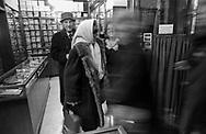 """Schostal abbigliamento dal 1870, la ditta chiuse nel 1944/1945, un cartello sulle vetrine diceva """"… conta riprendere la propria attività in tempi più propizi a normali commerci e precisamente quando sarà ancora possibile acquistare all'origine, senza intermediari, merci di buona qualità a prezzi equi e ragionevoli ..."""""""