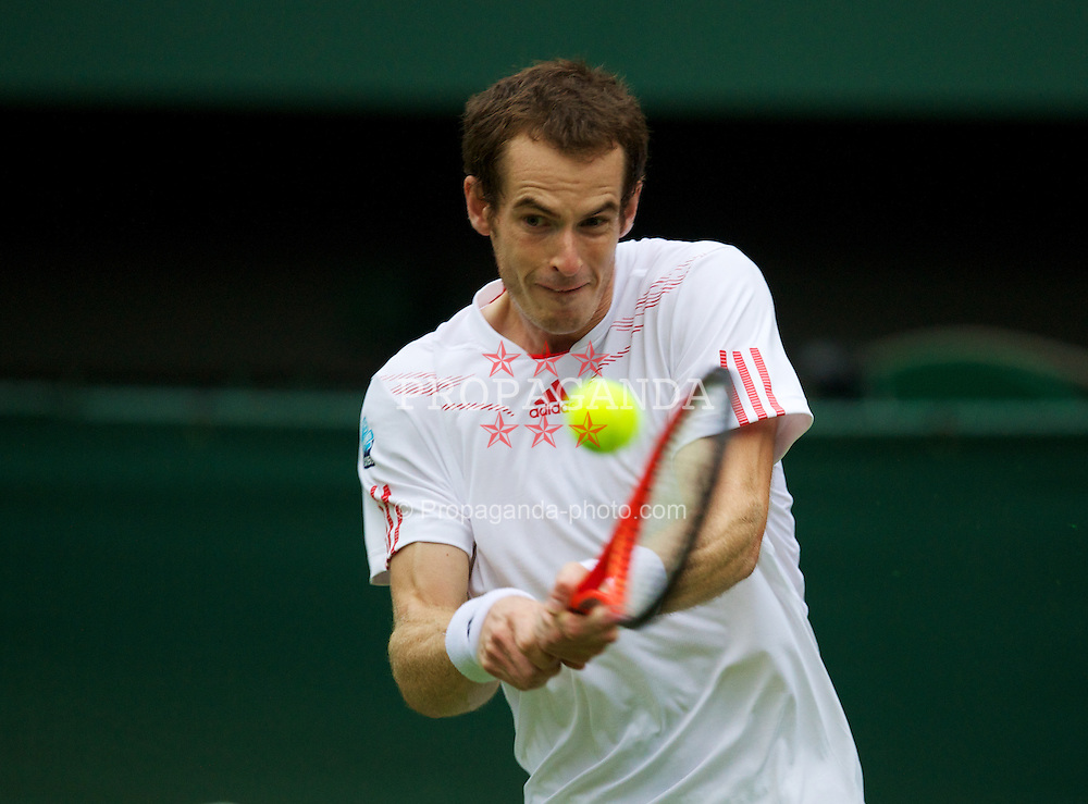LONDON, ENGLAND - Tuesday, June 26, 2012: Andy Murray (GBR) during the Gentlemen's Singles 1st Round match on day two of the Wimbledon Lawn Tennis Championships at the All England Lawn Tennis and Croquet Club. (Pic by David Rawcliffe/Propaganda)