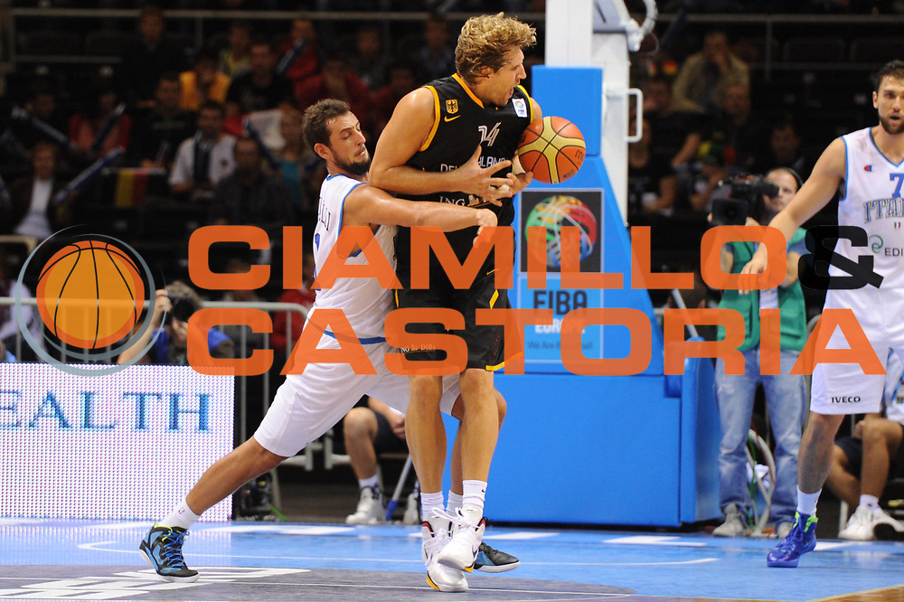 DESCRIZIONE : Siauliai Lithuania Lituania Eurobasket Men 2011 Preliminary Round Italia Germania Italy Germany<br /> GIOCATORE : Dirk Nowitzki<br /> SQUADRA : Italia Italy<br /> EVENTO : Eurobasket Men 2011<br /> GARA : Italia Germania Italy Germany<br /> DATA : 01/09/2011 <br /> CATEGORIA : curiosita<br /> SPORT : Pallacanestro <br /> AUTORE : Agenzia Ciamillo-Castoria/GiulioCiamillo<br /> Galleria : Eurobasket Men 2011 <br /> Fotonotizia : Siauliai Lithuania Lituania Eurobasket Men 2011 Preliminary Round Italia Germania Italy Germany<br /> Predefinita :