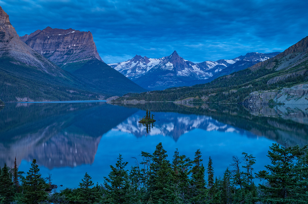 Saint Mary Lake and Wild Goose Island; Glacier National Park, Montana, USA.