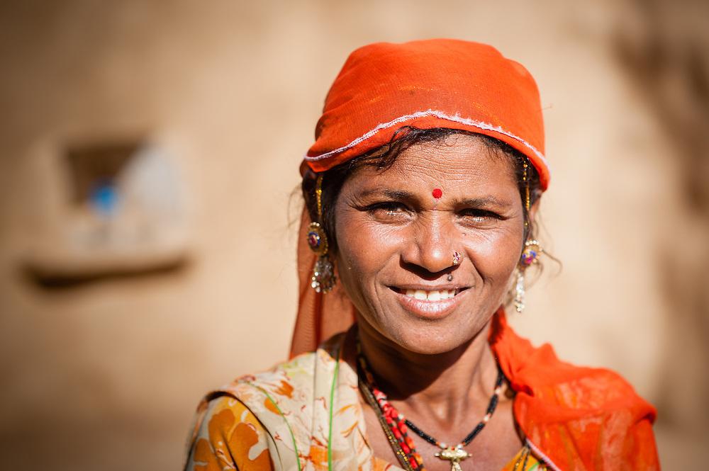 Desert woman in Jaisalmer (India).