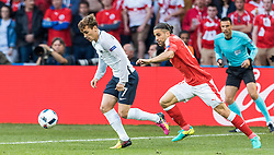19.06.2016, Stade Pierre Mauroy, Lille, FRA, UEFA Euro, Frankreich, Schweiz vs Frankreich, Gruppe A, im Bild Antoine Griezmann (FRA), Ricardo Rodriguez (SUI) // Antoine Griezmann (FRA), Ricardo Rodriguez (SUI) during Group A match between Switzerland and France of the UEFA EURO 2016 France at the Stade Pierre Mauroy in Lille, France on 2016/06/19. EXPA Pictures © 2016, PhotoCredit: EXPA/ JFK