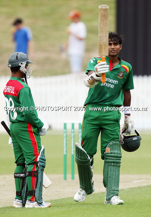 Bangladesh batsman Zunaed Siddique, right, celebrates his 50 with captain Mohammad Ashraful. Northern Knights v Bangladesh. One day tour cricket match. Seddon Park, Hamilton. Sunday 16 December 2007. Photo: Stephen Barker/PHOTOSPORT