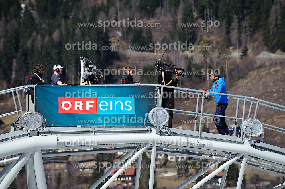 16.03.2012, Planai, Schladming, AUT, FIS Weltcup Ski Alpin, Teambewerb, im Bild ein Feature mit ORF am Skygate // during Nation Team Event of FIS Ski Alpine World Cup at 'Planai' course in Schladming, Austria on 2012/03/16. EXPA Pictures © 2012, PhotoCredit: EXPA/ Sandro Zangrando
