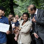la Ministra per l'Integrazione Cécile Kyenge e Piero Fassino <br /> alla consegna degli attestati di cittadinanza simbolica ai bimbi figli di genitori stranieri nati a Torino nel 2013, Torino 23 giugno 2013