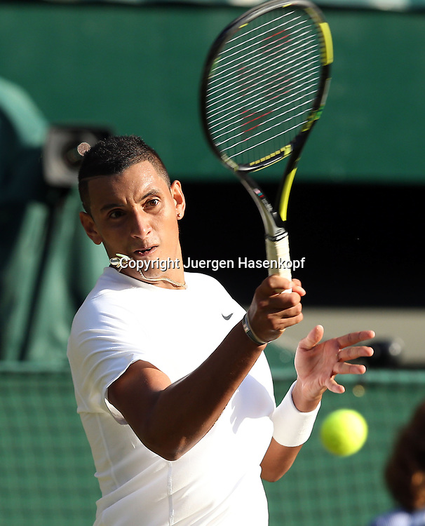 Wimbledon Championships 2014, AELTC,London,<br /> ITF Grand Slam Tennis Tournament,<br /> Nick Kyrgios (AUS),Aktion,Einzelbild,Halbkoerper,Hochformat,
