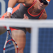 Samantha Stosur, Australia,  in action against Victoria Azarenka, Belarus, during the US Open Tennis Tournament, Flushing, New York. USA. 4th September 2012. Photo Tim Clayton