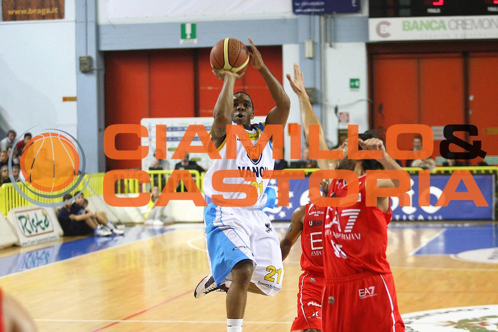 DESCRIZIONE : Cremona Lega A 2012-2013 Vanoli Cremona EA7 Emporio Armani Milano<br /> GIOCATORE : Aaron Johnson<br /> SQUADRA : Vanoli Cremona<br /> EVENTO : Campionato Lega A 2012-2013<br /> GARA : Vanoli Cremona EA7 Emporio Armani Milano<br /> DATA : 19/11/2012<br /> CATEGORIA : Tiro<br /> SPORT : Pallacanestro<br /> AUTORE : Agenzia Ciamillo-Castoria/F.Zovadelli<br /> GALLERIA : Lega Basket A 2012-2013<br /> FOTONOTIZIA : Cremona Campionato Italiano Lega A 2012-13 Vanoli  Cremona EA7 Emporio Armani Milano<br /> PREDEFINITA :