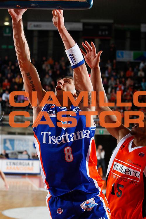 DESCRIZIONE : Udine Lega A1 2007-08 Snaidero Udine Tisettanta Cantu <br /> GIOCATORE : Rodolfo Valenti <br /> SQUADRA : Tisettanta Cantu <br /> EVENTO : Campionato Lega A1 2007-2008 <br /> GARA : Snaidero Udine Tisettanta Cantu <br /> DATA : 22/12/2007 <br /> CATEGORIA : Tiro <br /> SPORT : Pallacanestro <br /> AUTORE : Agenzia Ciamillo-Castoria/S.Silvestri