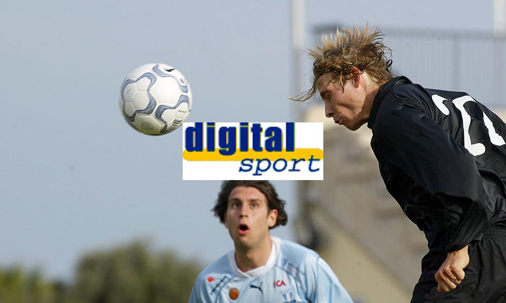 Fotball - Treningsleir La Manga. Tobias Grahn header i m&aring;l for V&aring;lerenga. <br /> <br /> Foto: Andreas Fadum, Digitalsport