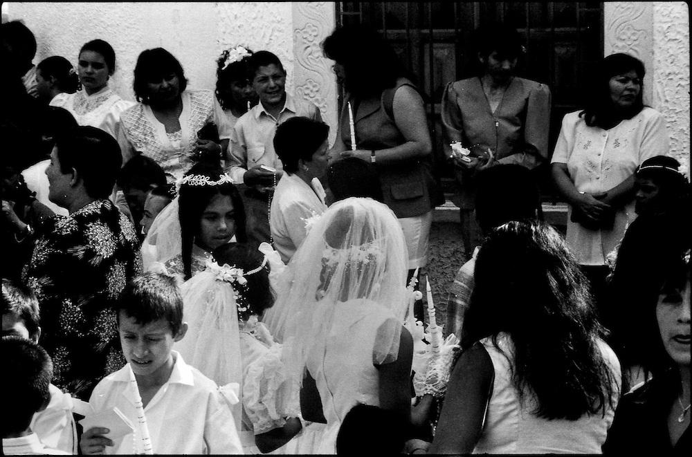 MISCEL&Aacute;NEAS<br /> Photography by Aaron Sosa<br /> Mesa de Esnujaque, Estado Trujillo<br /> Venezuela 2000<br /> (Copyright &copy; Aaron Sosa)