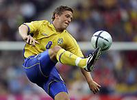 Fotball<br /> Euro 2004<br /> 18.06.2004<br /> Sverige v Italia 1-1<br /> Foto: Omega/SBI/Digitalsport<br /> NORWAY ONLY<br /> <br /> ANDERS SVENSSON
