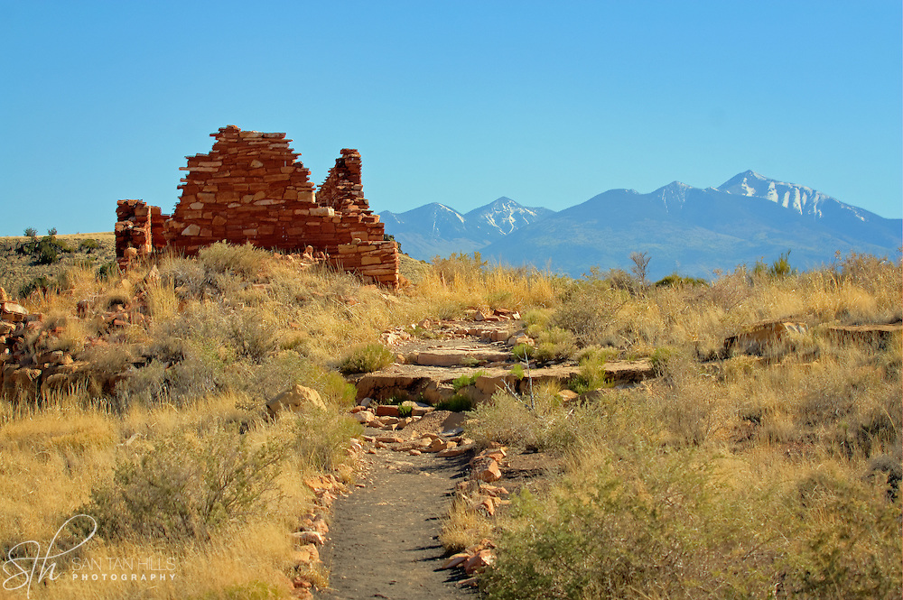 Hilltop ruins of Box Canyon dwellings - Wupatki National Monument, AZ