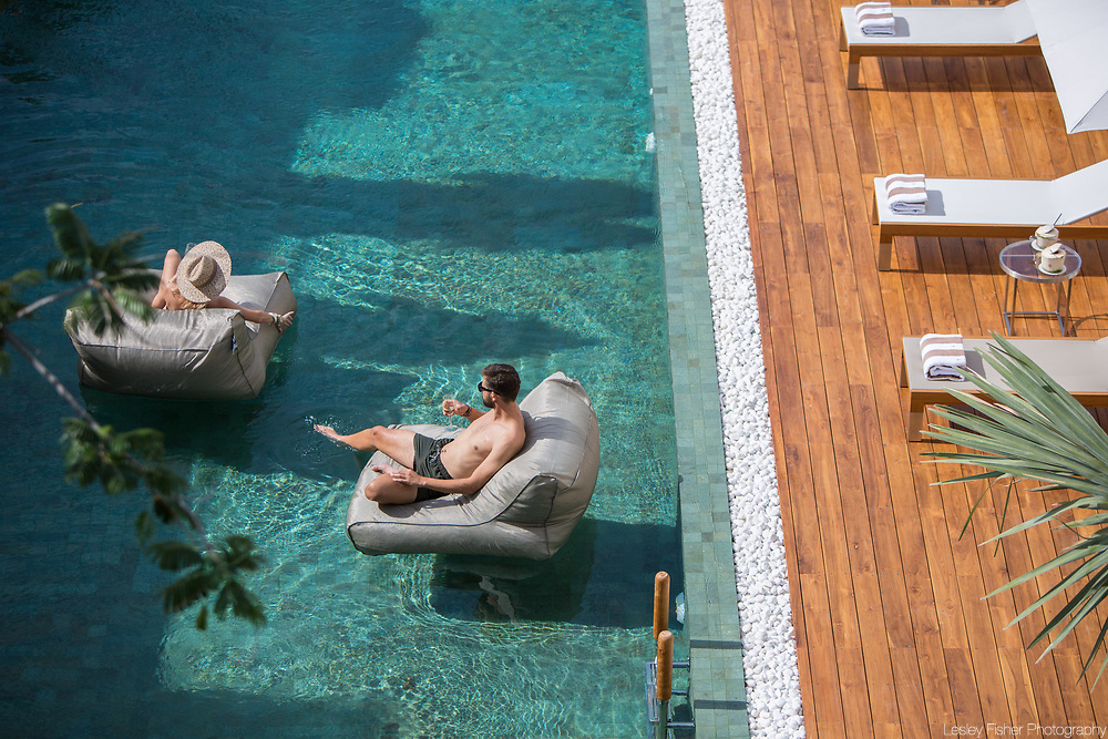 Customers relaxing and enjoying Chi Residence, luxury and private apartments for rent located in Bang Rak, Koh Samui, Thailand