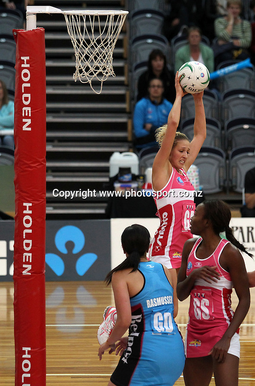 Erin Bell of the Thunderbirds secures the ball.<br /> ANZ Championship Netball - Southern Steel v Adelaide Thunderbirds, 6 April 2013, Lion Foundation Arena - Edgar Centre, Dunedin, New Zealand.<br /> Photo: Rob Jefferies / photosport.co.nz