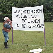 Dhr Berringer actie tegen bouwen in het groen Stadspark Huizen