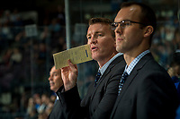 PENTICTON, CANADA - SEPTEMBER 8: Vancouver Canucks' head coach Trent Cull stand on the bench against the Winnipeg Jets on September 8, 2017 at the South Okanagan Event Centre in Penticton, British Columbia, Canada.  (Photo by Marissa Baecker/Shoot the Breeze)  *** Local Caption ***