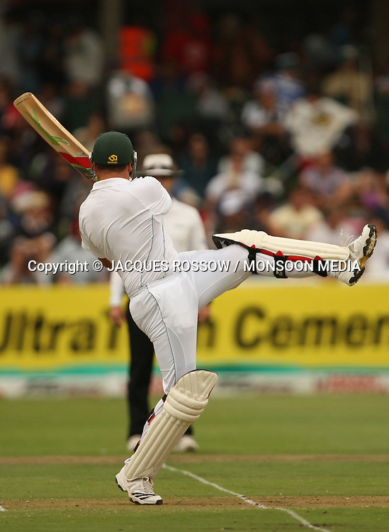 Jacques Kallis pulls a short delivery for a boundry during Day 1 of the third and final Test between South Africa and India played at Sahara Park Newlands in Cape Town, South Africa, on 2 January 2011. Photo by Jacques Rossouw / MONSOON MEDIA
