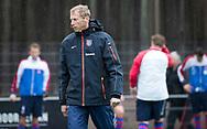 BILTHOVEN - coach Michiel van der Struijk (SCHC)  tijdens de competitiewedstrijd heren,  SCHC-Almere (3-2) . COPYRIGHT KOEN SUYK
