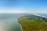 Nederland, Friesland, Ameland, 05-07-2018; oostelijk deel van het eiland, Waddenkust ter hoogte van Kooiplaats. Foto richting dorpen Buren en Nes, rechts Noordzee. <br /> Eastern part of the island, Wadden Sea coast. Right North Sea.<br /> luchtfoto (toeslag op standard tarieven);<br /> aerial photo (additional fee required);<br /> copyright foto/photo Siebe Swart