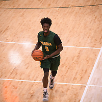 1st year guard Nigel Warden (9) of the Regina Cougars during the Men's Basketball home game on November 11 at Centre for Kinesiology, Health and Sport. Credit: Arthur Ward/Arthur Images