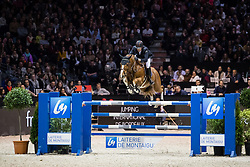 Photographie Eric KNOLL. Jumping de Bordeaux 2018. Grand Prix Land Rover. <br /> Harrie SMOLDERS (NED). EMERALD N.O.P.Smolders Harrie, NED, Emerald<br /> Jumping De Bordeaux 2018<br /> © Hippo Foto - Eric Knoll<br /> 04/02/2018