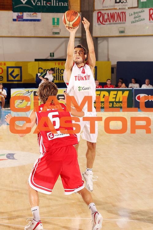 DESCRIZIONE : Bormio Torneo Internazionale Gianatti Turchia Austria<br /> GIOCATORE : Ender Arslan<br /> SQUADRA : Turchia <br /> EVENTO : Bormio Torneo Internazionale Gianatti <br /> GARA : Turchia Austria<br /> DATA : 04/08/2007 <br /> CATEGORIA : Tiro<br /> SPORT : Pallacanestro <br /> AUTORE : Agenzia Ciamillo-Castoria/G.Cottini