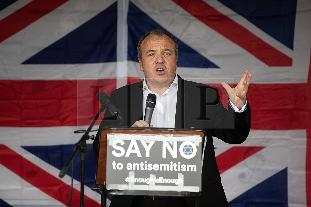 © Licensed to London News Pictures . 16/09/2018. Manchester, UK. MIKE KANE MP . Thousands of people including the UK's Chief Rabbi and several Members of Parliament attend a demonstration against rising anti-Semitism in British politics and society , at Cathedral Gardens in Manchester City Centre . Photo credit : Joel Goodman/LNP