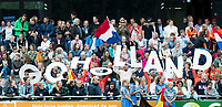 SCHIEDAM -  toeschouwers  tijdens een oefenwedstrijd tussen  de dames van Nederland en Belgie , in aanloop naar het  EK Hockey, eind augustus in Amstelveen. COPYRIGHT KOEN SUYK