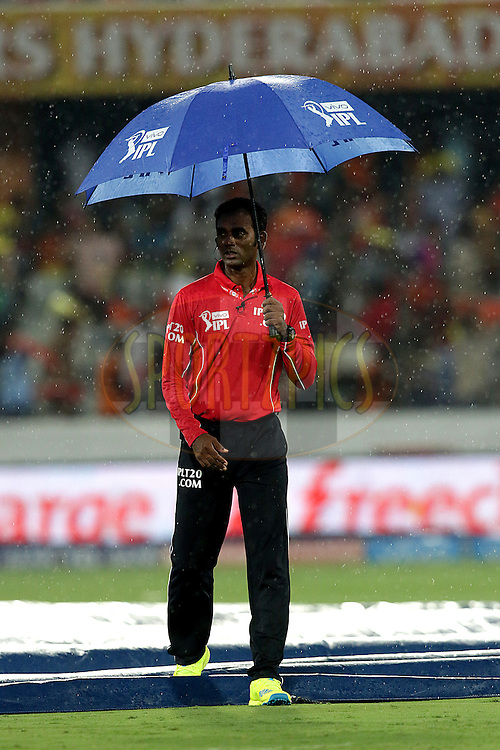 Raining during match 22 of the Vivo IPL 2016 (Indian Premier League ) between the Sunrisers Hyderabad and the Rising Pune Supergiants held at the Rajiv Gandhi Intl. Cricket Stadium, Hyderabad on the 26th April 2016<br /> <br /> Photo by Rahul Gulati / IPL/ SPORTZPICS
