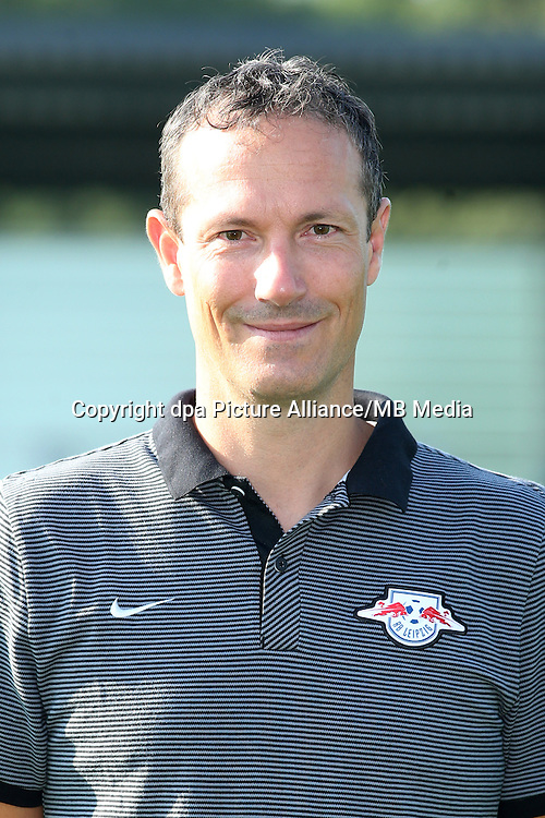 HANDOUT - 1. DFL, 1. Deutsche Bundesliga, RasenBallsport Leipzig, team photo shooting. Image shows physical therapist Nicolas Schmid (RB Leipzig). Photo: GEPA pictures/ Sven Sonntag - For editorial use only. Image is free of charge.  