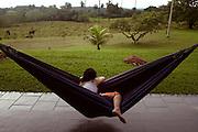 Inhauma_MG, Brasil...Mulher descansando em uma rede de dormir...A woman resting on the hammock...Foto: LEO DRUMOND / NITRO
