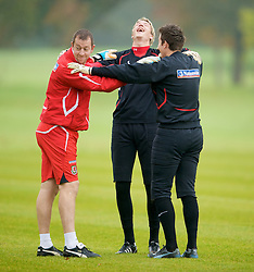 CARDIFF, WALES - Monday, October 13, 2008: Wales' goalkeepers Wayne Hennessey and Lewis Price with coach Paul Jones during training at the Vale of Glamorgan Hotel ahead of the 2010 FIFA World Cup South Africa Qualifying Group 4 match against Germany. (Photo by David Rawcliffe/Propaganda)