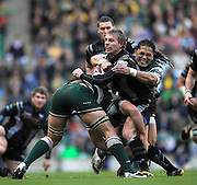 Twickenham, GREAT BRITAIN, Ospreys', Justin MARSHALL sandwiched between right, Alesana TUILAGI and left Jordan CRANE, during the EDF Energy Cup Final rugby match,  Leicester Tiger vs Ospreys, at Twickenham Stadium, Surrey on Sat 12.04.2008 [Photo, Peter Spurrier/Intersport-images]