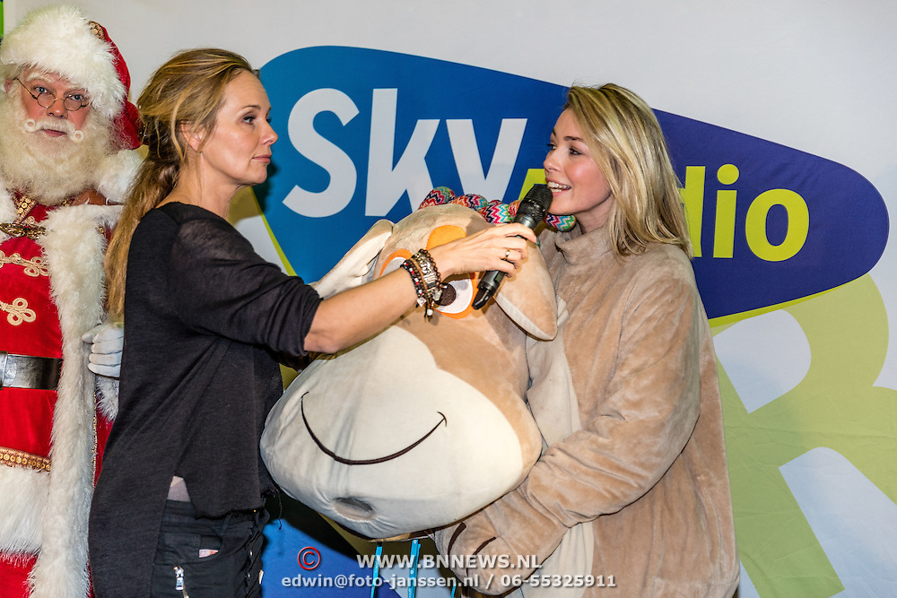NLD/Amsterdam/20161207 - 8e Sky Radio's Christmas Tree For Charity, Renate Gerschtanowitz