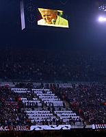 Fotball<br /> Champions League 2004/05<br /> AC Milan v Inter Milan<br /> 6. april 2005<br /> Foto : Digitalsport<br /> NORWAY ONLY<br /> L'OMAGGIO DELLO STADIO AL PAPA GIOVANNI PAOLO II