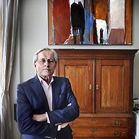 Nederland, Amsterdam , 18 april 2013..Kamerheer Ernst Veen, voormalige directeur van de Nieuwekerk in zijn woning aan de Vondelstraat..Foto:Jean-Pierre Jans