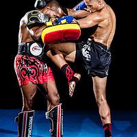 Rodney Costa aplica uma joelhada no Fernando Nonato num golpe classico de Muay Thai